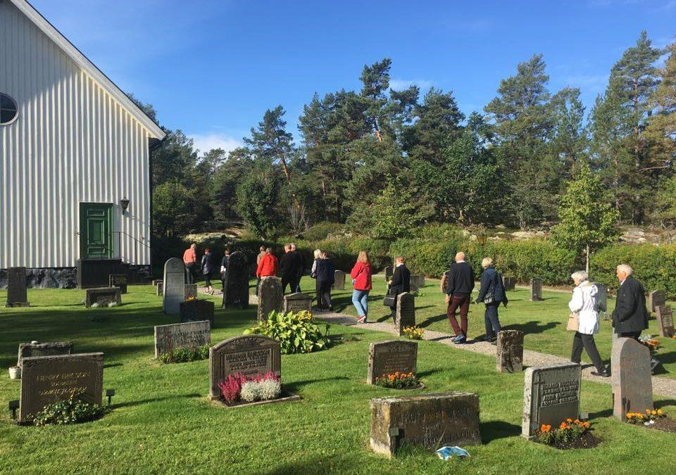 I september hade vi besök av 30 glada öbor från Ålands skärgård som ville få information om Muskö.