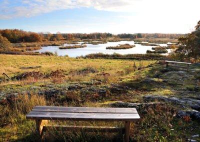 Vilobänkar med utsikt över Maren. Foto: Johan Bjurer