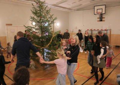 Muskö IF arrangerade julgransplundring i Muskö hembygdsgård. Foto: Frida Söderström
