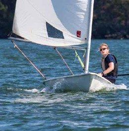 Maja gillar äventyr och seglar gärna i vattnen runt Muskö