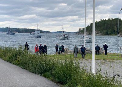 Efter minnesstunden defilerade 4 fartyg från Veteranbåtsflottiljen. Foto: Bertil Oskarsson